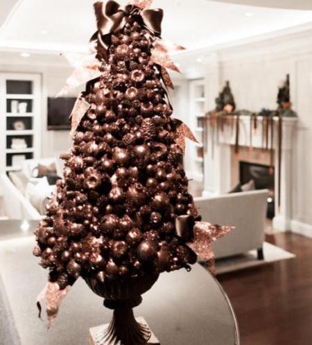 Новогодняя елка из каштанов своими руками