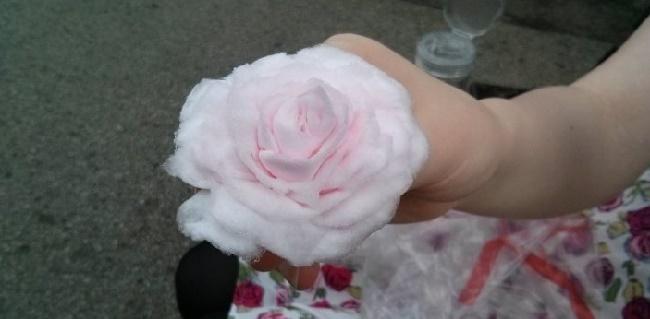 Роза из ватных дисков своими руками