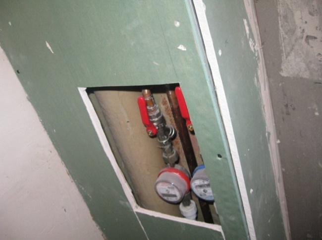 Способы спрятать трубы в туалете