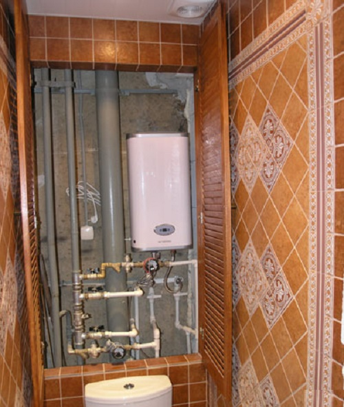 Трубы в туалете и как их скрыть
