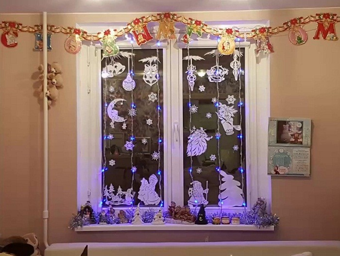 Идеи для украшения окна на Новый год
