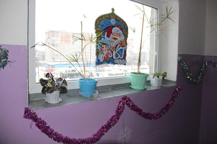 Новогодний декор подъезда фото