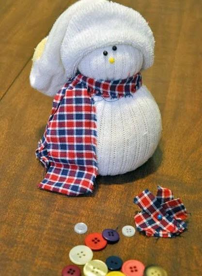 Поделка снеговик из носков