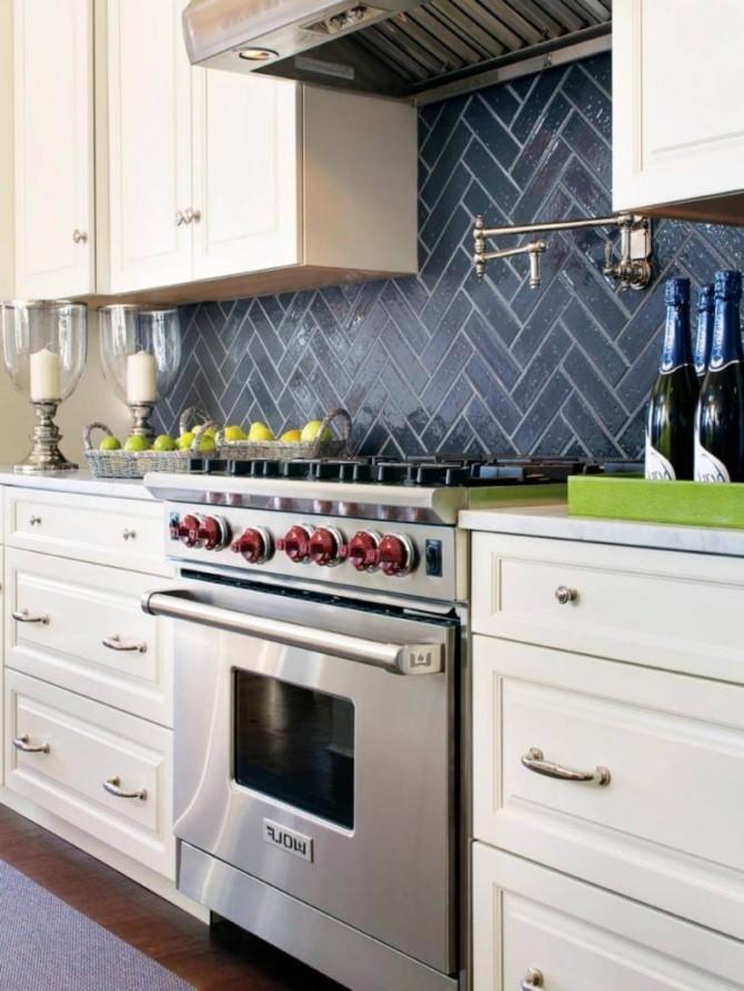 Кухонный фартук, укладка плитки ёлочкой