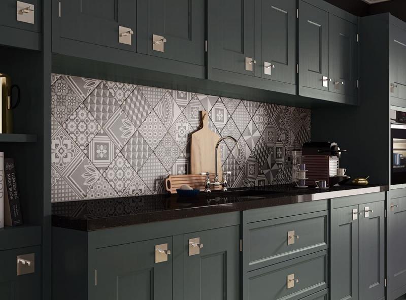 Кухонный фартук, диагональная укладка плитки