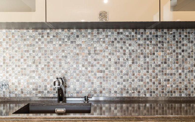 Способы отделки плиткой фартука на кухне