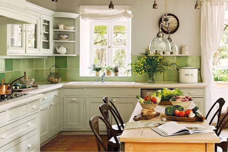 Облицовка кухонного фартука плиткой