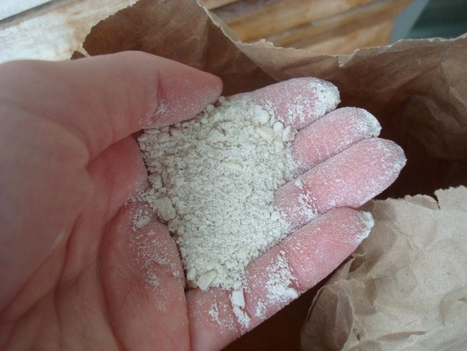 Дополнительные компоненты грунта, роговая мука