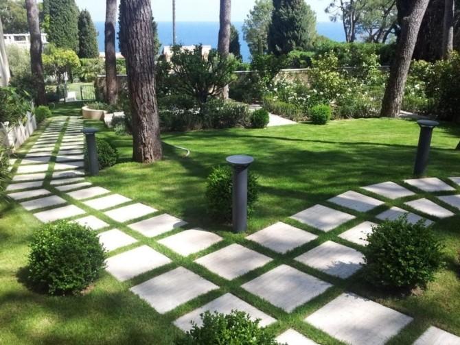 Садовая дорожка из бетонных плит своими руками