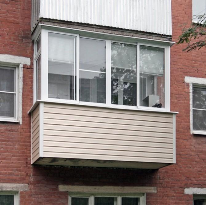 В чем разница между лоджией и балконом
