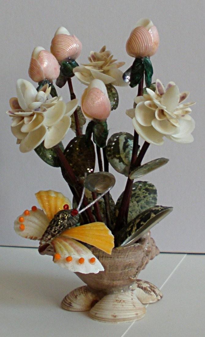 Элегантные поделки цветы из ракушек
